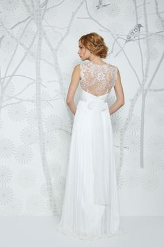 SADONI top ENGA in elegant French Lace. Makes the special dress even more perfect!