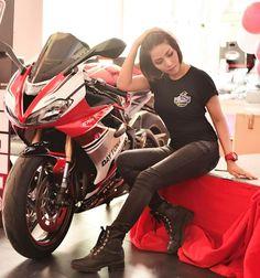 Asian Biker Girls Motorbike Girl, Motorcycle, Stunt Bike, Biker Girl, Sport Bikes, Motorbikes, Asian, Babe, Girls