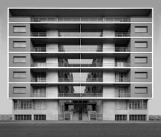 Casa Rustici by Giuseppe Terragni. housing complex in Milan built by fascist architect Terragni, important for the development of livable and cheap housing in Italy. Fascist Architecture, Architecture Design, Contemporary Architecture, Melbourne Architecture, Modern Masters, Brutalist, Modern Buildings, Bauhaus, Facades