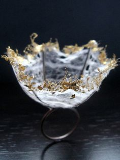 Delicate Beauty - sculptural ring; fragile structures; contemporary art jewellery // Susan Trindle design