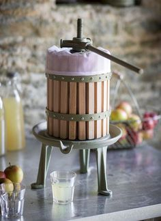 Create delicious apple juice with this press