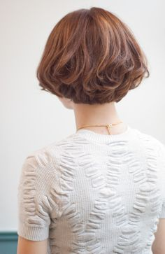 PLACE IN THE SUNのヘアスタイル | フレンチボブ | 東京都・青山・表参道の美容室 | Rasysa(らしさ) Short Haircut Styles, Short Bob Haircuts, Hairstyles Haircuts, Cool Hairstyles, Short Medium Length Hair, Short Hair Cuts, Shot Hair Styles, Curly Hair Styles, Ash Blonde Hair