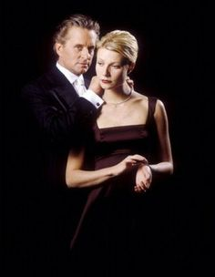 Michael Douglas, Gwyneth Paltrow, A Perfect Murder Hollywood Star, Golden Age Of Hollywood, Vintage Hollywood, Classic Hollywood, A Perfect Murder, Hitchcock Film, Alfred Hitchcock, T Movie, Rooney Mara