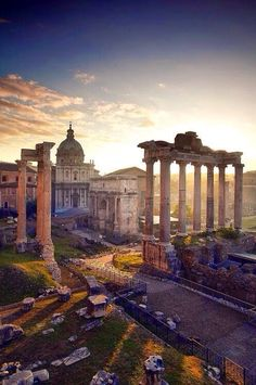 The awesomely amazing captivating ruins of Rome!miss being there!