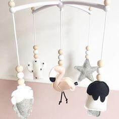 Fijne zondag lieve volgers! Doen jullie al mee met de super toffe kerst give away actie? . . . #muziekmobiel #babyroom #babykamer #woonkamer #livingroom #icecream #ijsje #veer #feather #ster #star #cactus #flamingo #pink #roze #babygirl #wolvilt #woolfelt #handmade #babyshower #kraamcadeau #custommade #webshop #ukkepuq Interior Design Living Room, Living Room Decor, Bedroom Decor, Sustainable Design, Baby Accessories, Girl Nursery, Baby Room, Design Trends, Baby Gifts