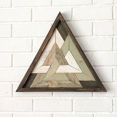 Triangle Art Design Sacred Geometry Odins Triangle Reclaimed Wooden Art by HollyBeeandCompany on Etsy Wooden Wall Art, Wooden Walls, Diy Wood Projects, Wood Crafts, Triangle Art, Penrose Triangle, Classic Christmas Decorations, Pallet Art, Meditation