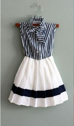 adorable! black and white and pleats!