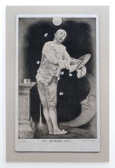 João Vilhena, Pinholes, 2011  Pierre noire et craie blanche sur carton gris  120 x 80 cm    Courtesy João Vilhena & Galerie Alberta Pane