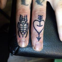 beetle, heart & arrow #finger #tattoos