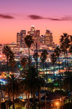 Does the sheer size of Los Angeles intimate you? We're breaking down the best Los Angeles neighborhoods, helping you decide which area you should make your home base while you stay in the City of Angels. City Aesthetic, Travel Aesthetic, Photo Booth Frame, Photo Wall Collage, Los Angeles Wallpaper, Los Angeles Travel, Life Transitions, City Vibe, City Of Angels