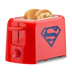 Start the morning with a heroic meal. The DC Superman toaster is a must have for any comic or superhero fan. The toaster imprints the iconic Superman logo on every slice. Logo Superman, Superman Love, Superman Symbol, Superman Stuff, Superman Watch, Superman News, Batman Vs, Small Appliances, Kitchen Appliances
