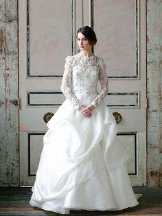 Vestido de novia Ball Gown escote ilusión manga larga cuello bandeja strapless corazón detalles en pedrería para tu casamiento -- Sareh Nouri
