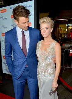 """Julianne Hough Photos - Actors Josh Duhamel (L) and Julianne Hough arrive at the premiere of Relativity Media's """"Safe Haven"""" at TCL Chinese Theatre on February 2013 in Hollywood, California. - Premiere Of Relativity Media's """"Safe Haven"""" - Red Carpet Hollywood California, In Hollywood, Julianne Hough Updo, February 5, Nicholas Sparks, Josh Duhamel, Safe Haven, Pompadour, America's Got Talent"""