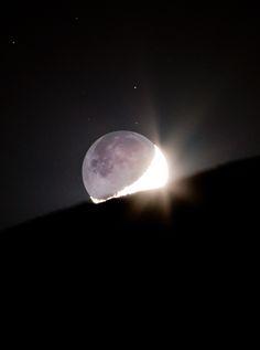 ~illumination~ The Moonset and EarthShine