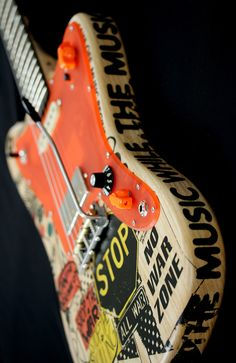 Deimel Firestar Artist Edition »STOP THE WAR« 2, incl. Deimel Vibratone, built in LesLee® + piezo