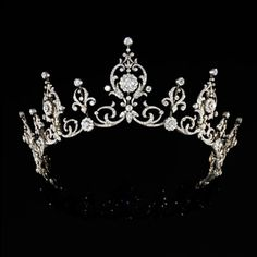 If I could wear a tiara, I'd wear this one everyday!!!!