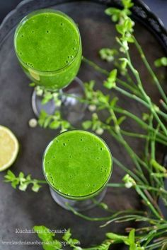 kuchnia na obcasach - Zielony koktajl szpinakowy z sokiem brzozowym