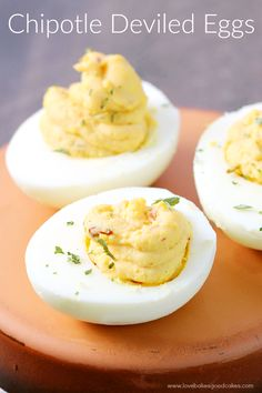 These Chipotle Deviled Eggs are the perfect way to spice up the appetizer table! Great for potlucks, game day, holidays, and parties! Bbq Pork Sandwiches, Appetizers Table, Chicken Snacks, Tailgating Recipes, Thanksgiving, Deviled Eggs, Calories, Food Processor Recipes, Eating Clean