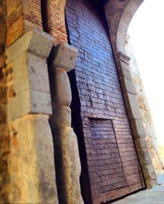 Toledo und seine 9 Tore mit ihrer Stadtmauer