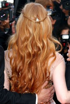 Jessica Chastain's hair...gorgeous I'm might need to do this this summer!