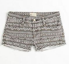 simple shorts with a cute twist :) pairable with lots!