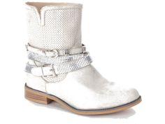 Zilveren enkellaarsjes met gespen en bandjes van H3 Shoes. €54,95 #h3shoes #metallic #zilver