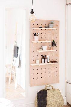 Diy Home : Illustration Description DIY Standing Vanity with Pegboard & Hidden Mirror Storage -Read More – - #DIYHome