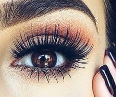Beauty-hacks are methods in make-up, about which nothing is written in the description of the means or instructions on its packaging. These are the tricks about the existence of which you can learn… Best Makeup Tips, Best Makeup Products, Makeup Ideas, Beauty Products, Makeup Brands, Makeup Tutorials, Fake Lashes, Eyelashes, Mascara