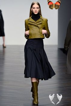 Spotlight on the Skirt #Modest doesn't mean frumpy. www.ColleenHammond.com #DressingWithDignity #TotalimageInstitute<br> Fashion's focus falls firmly on the skirt Look Fashion, Runway Fashion, Winter Fashion, Fashion Show, Fashion Design, Fashion Trends, 70s Fashion, Fashion Online, High Fashion