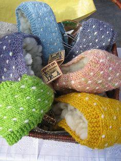 handspun and dyed thrummed headbands Hand Knitting, Knitting Patterns, Crochet Patterns, Knitting Ideas, Knit Mittens, Knitted Hats, Hand Spinning, Headbands, Knit Crochet