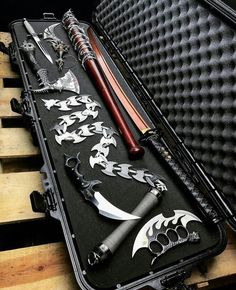 Swords, Blades & other Weapons Zombie Weapons, Ninja Weapons, Weapons Guns, Armas Ninja, Swords And Daggers, Knives And Swords, Cool Swords, Weapon Concept Art, Cool Knives