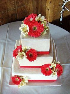 Three Tier Cake Style for Hawaiian Wedding Cakes of the Special Cake