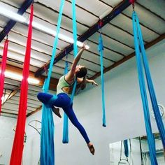 I had a dream about this move. It's not totally new but I have a flamenco grip with my left hand for the hip key thread through to secretary to knee lock. I'm trying to eliminate the hand switches. #aerialdesign #Aerialsilks #aerialist #aerialistofig #strong #circus #cirque #cordelisse #circuseverydamnday #athletic #aerialrope #danzaaerea #tecidoacrobatico #aerial #aerials #aerialsilk