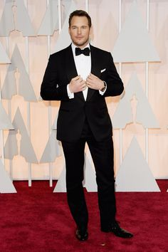 Chris Pratt making Leslie Knope proud at The Oscars. | 24 Perfect Suits That Owned The Red Carpet This Year