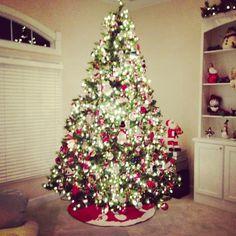 Beautiful Christmas tree #tistheseason #tree #holidaycheer