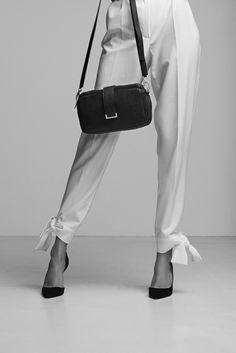 Chic Style - tailored trousers with self-tie hem + classic bag & pumps // Zofia Chylak