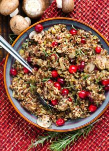 Quinoa Cranberry Stuffing Recipe with brown mushrooms, rosemary and celery for chicken or turkey. Makes great dinner side dish as well. | ifoodreal.com