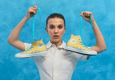 'Stranger Things' lead Millie Bobby Brown has launched a sneaker collection with Converse featuring the brand's All Star sneakers. Tenis Converse, Brown Converse, New Converse, Millie Bobby Brown, All Star, Converse Chuck Taylor, Bobby Brown Stranger Things, Browns Fans, Old Actress