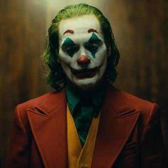Can a Joker movie without Batman possibly work? Joker starring Joaquin Phoenix, answers that controversial question! Joaquin Phoenix, The Joker, Joker Batman, Gotham Joker, Joker Clown, Batman Logo, Superman, Christopher Nolan, Dc Comics