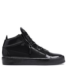 Giuseppe Zanotti Kriss high-top sneakers in patent black leather 635 EUR.