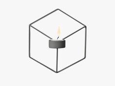Flot sort lysestage til fyrfadslys fra Menu. Lysestagen hænges på væggen, enten alene eller med flere. Moodings giver altid FRI FRAGT på alle ordrer til DK.