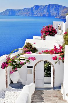 Plan my trip - Planning a trip to Italy - How to plan a trip to Europe - Plan your trip - Trip planning websites - Planning a trip to Greece - Planning a trip to Europe - Athens - Mykonos - Santorini - Greece - Greek Islands Honeymoon Destinations, Holiday Destinations, Honeymoon Spots, Honeymoon Ideas, Amazing Destinations, Dream Vacations, Vacation Spots, Vacation Travel, Summer Travel