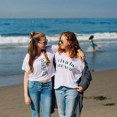 Wishin we were on the beach like @ClaireLeahy and @tealeahy this Saturday morning