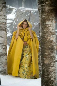 Mirror mirror - Snow White's yellow cloak