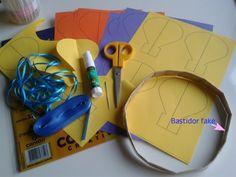 Originalmente este balão é uma ideia para compor um móbile para bebês que encontrei no site; http://casamenteiras.com.br/ , mas achei a ide...