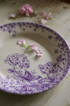 Love this purple transferware plate Vintage Plates, Vintage Dishes, Vintage China, Lavender Cottage, Lavender Blue, French Lavender, Purple Kitchen, Nice Kitchen, Purple Home