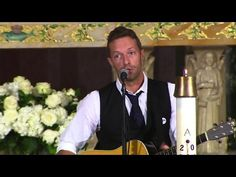 Watch Chris Martin Sing a Beautiful Version of 'Til Kingdom Come' at Beau Biden's Funeral | TIME