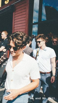 Bradley and Mr Ball 😂💕 Bradley Will Simpson, Brad Simpson, I Have A Crush, This Is Love, The Vamps, Celebs, Celebrities, Shawn Mendes, Music Bands