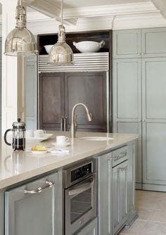 i'm digging this contrasting refrigerator w/ shelf above ...