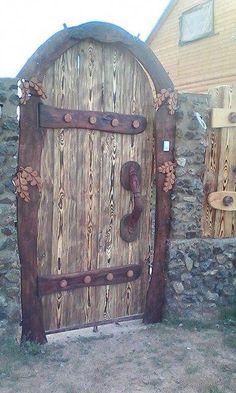 58 Best Ideas For Rustic Front Door Ideas Entrance Woods Unique Front Doors, Front Door Entrance, Front Door Colors, Old Wooden Doors, Rustic Doors, Cool Doors, Garden Doors, Jolie Photo, Door Knockers